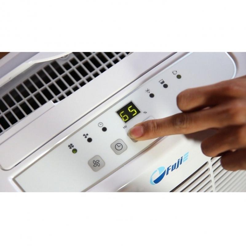 Bảng điều khiển của máy có hiển thị đèn LED giúp dễ dàng quan sát và sử dụng