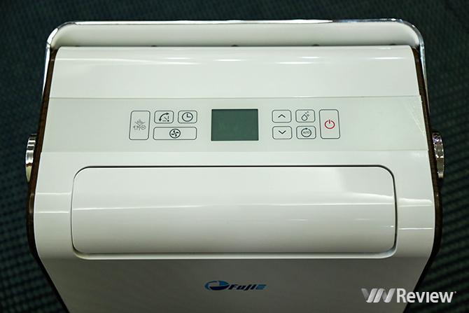 Bảng điều khiển của máy có hiển thị đèn LED giúp quan sát và điêu khiển dễ dàng